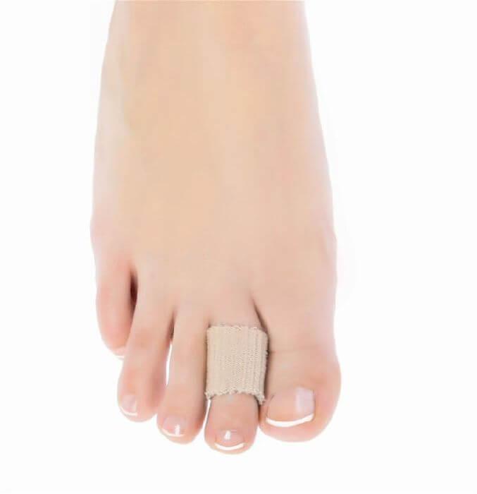 Qmed Toe protector I204 - Защитный бандаж на палец 7 см
