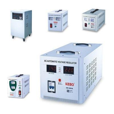 Стабілізатор напруги FORTE SDC-5000VA, з сервоприводом, протужність5000 ВА, точність 3%, вага 13,6 кг