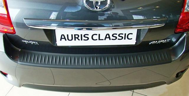 N-18 Toyota Auris 5dr 2010-2012 rear bumper protector