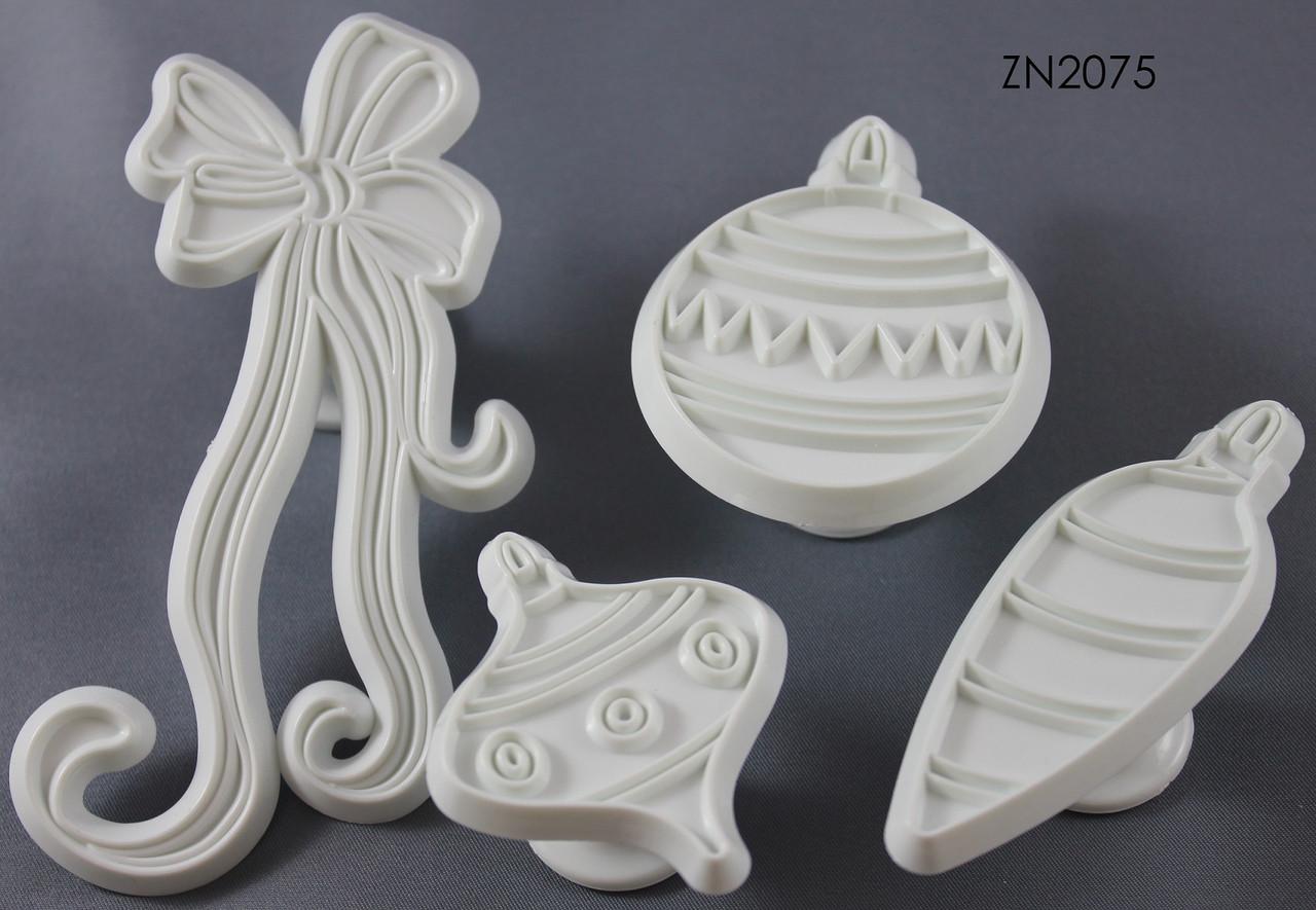 Набор резаков-штампов для мастики Новогодние игрушки