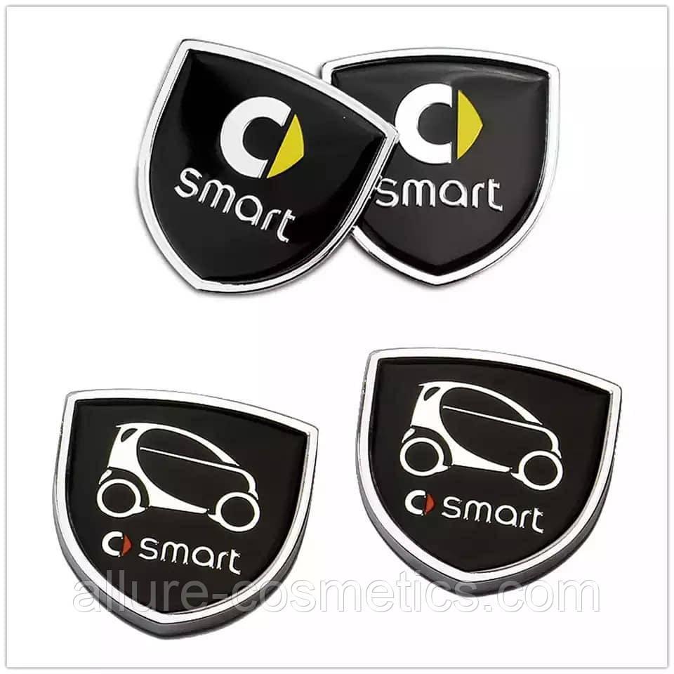 Эмблема Smart с метталической рамкой