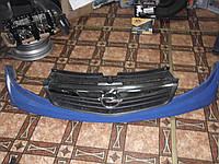 Решотка радиатора б/у Opel Vivaro 06