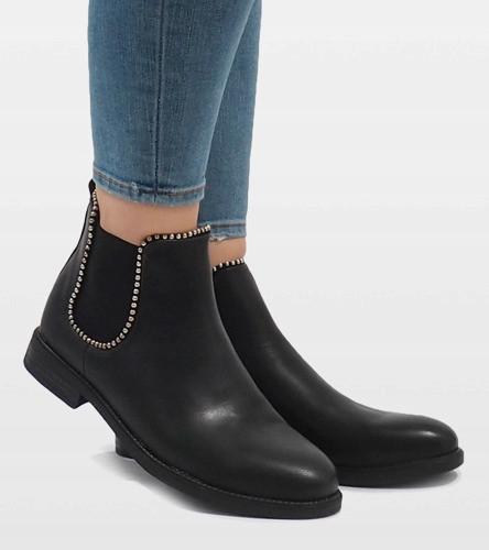 Молодёжные женские ботинки по бокам на резинке