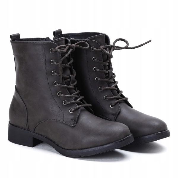 Удобные в носке женские зимние ботинки на шнуровке