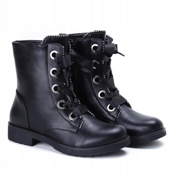 Ботинки демисезонные спереди на шнуровке