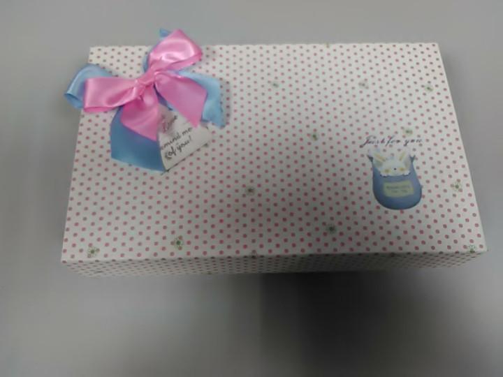 Подарочная коробочка с атласным бантиком