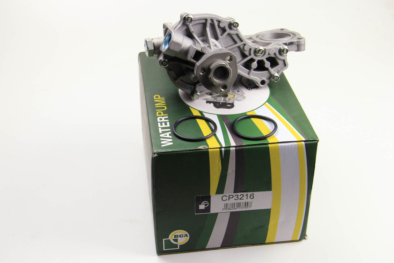Водяной насос (помпа) Audi A6 1.6/1.8T 1994-2005 (в корпусе)