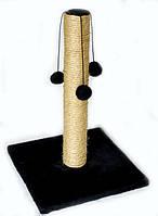 Когтеточка-столбик на квадратной подставке с меховыми шариками 45х29см