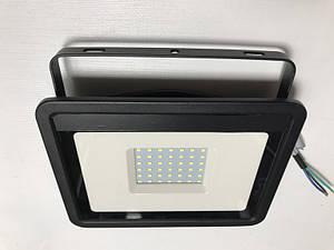 Светодиодный прожектор со встроенным датчиком движения PREMIUM SLS16-50 50W 6500K IP65 Код.59336