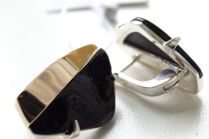Стильные серебряные серьги с золотыми вставками с авантюрином