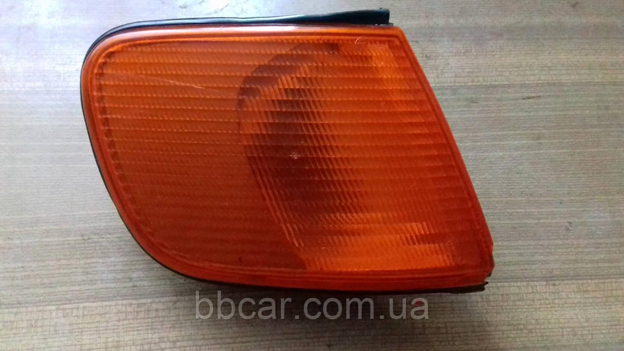 Повторювач поворота Audi 100 C-4 Hella 0152604  ( R )