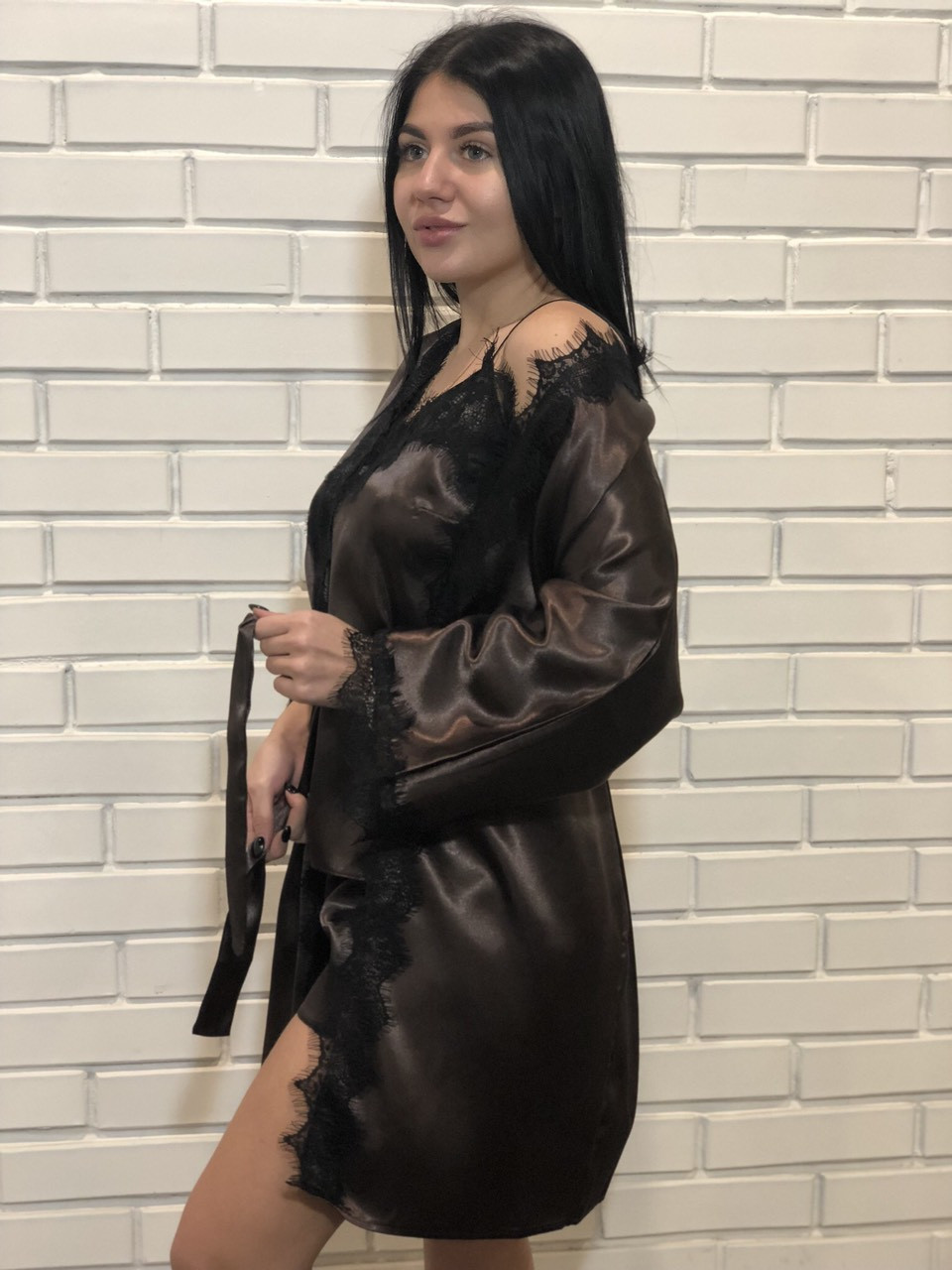 Изящный короткий халатик + майка с шортами шоколадного цвета