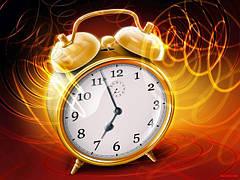 Часы настольные и будильники