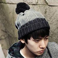 Зимняя вязаная мужская шапка с помпоном чёрно-серая код 95, фото 1