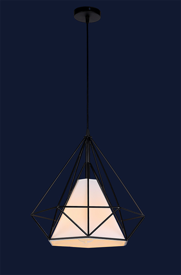 Черный подвесной светильник в скандинавском стиле
