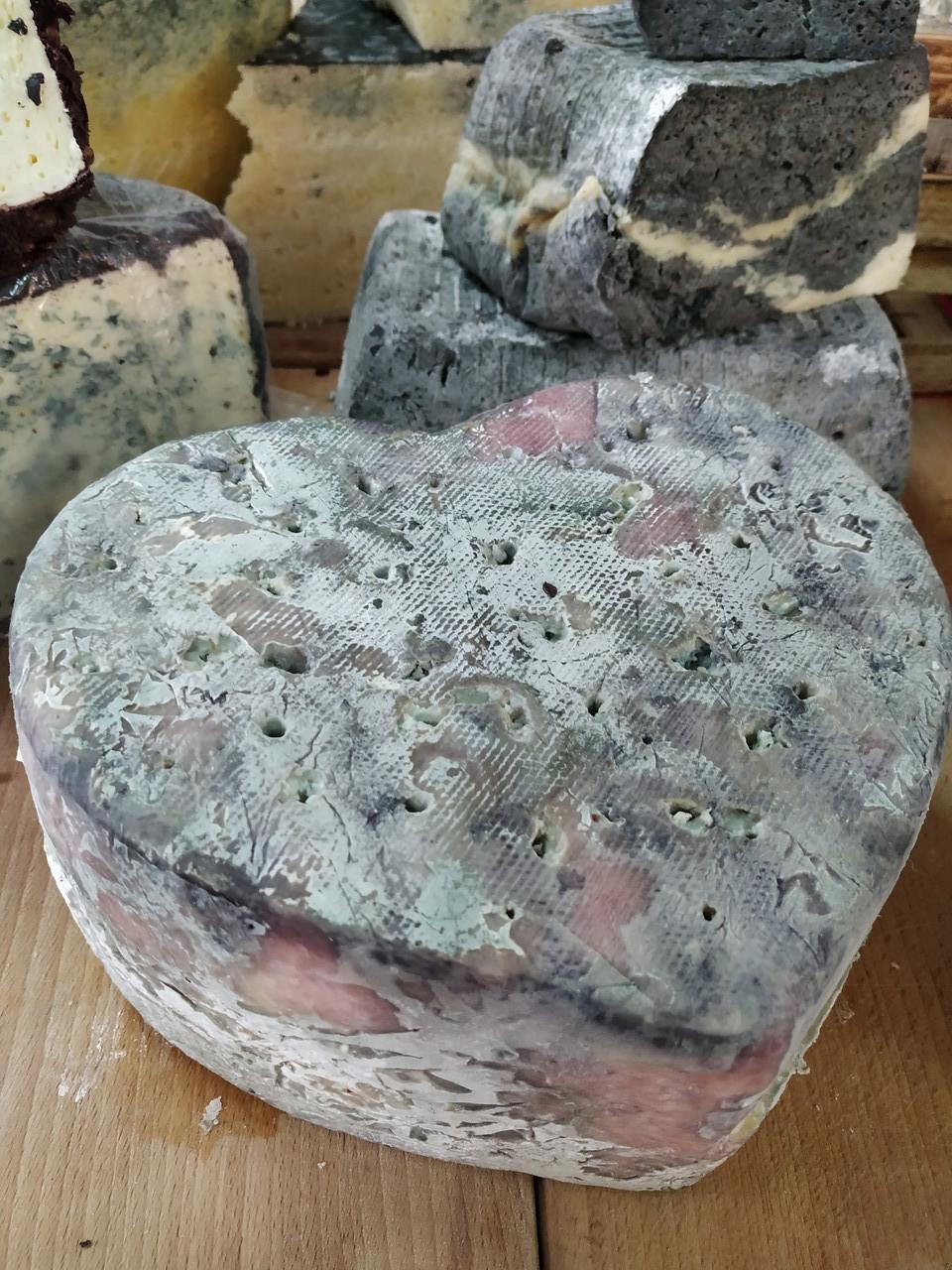 Сир з пліснявою козиний Сердце Велеса 100г ф.г. StreKoza