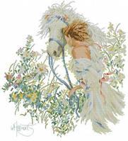 Девушка и белая лошадь  Набор для вышивки крестом с печатью на ткани 14ст