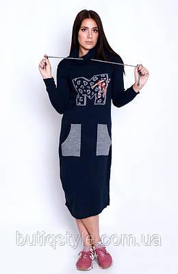 Тонкое трикотажное платье с капюшоном