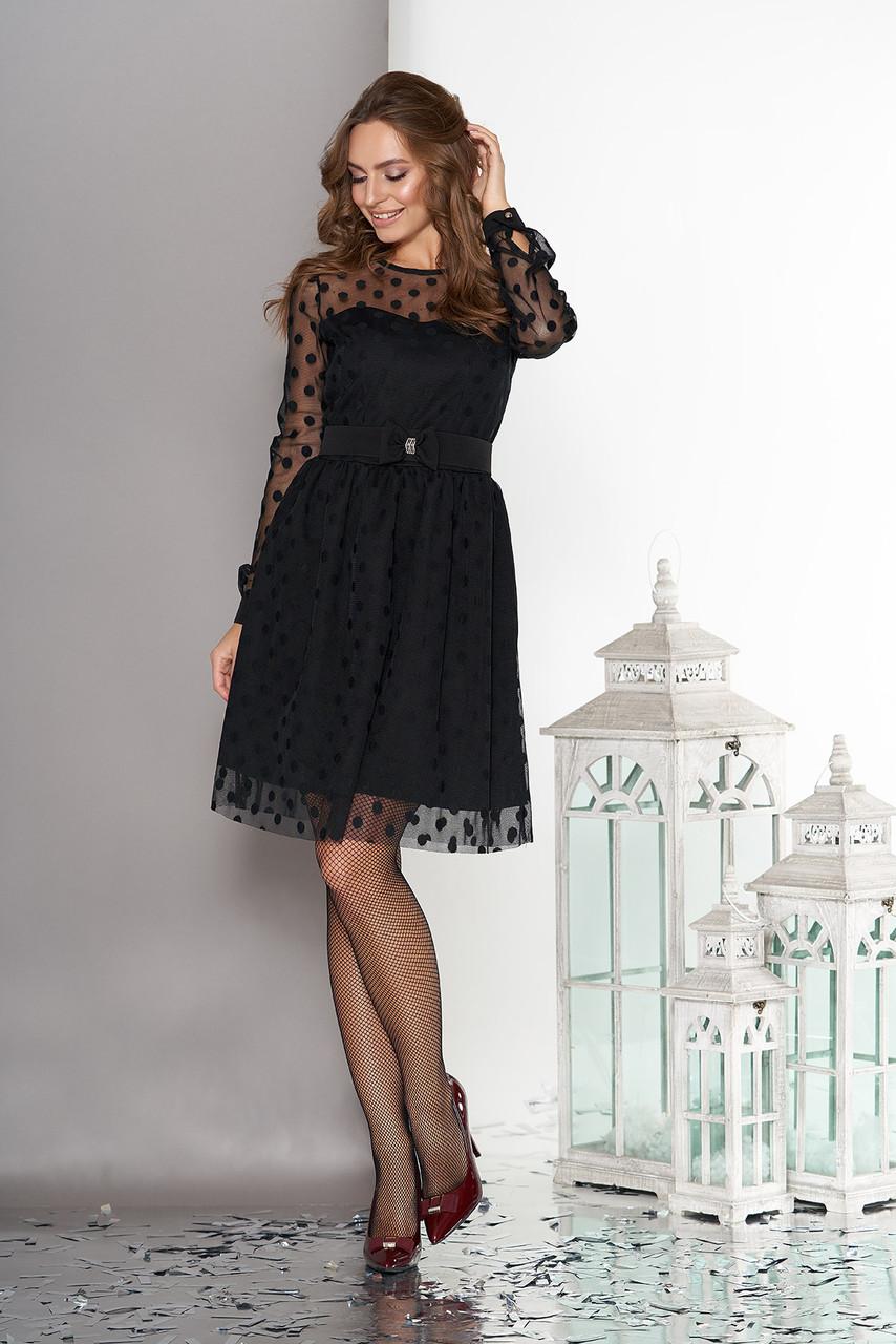 Нарядное платье черное в горошек с поясом