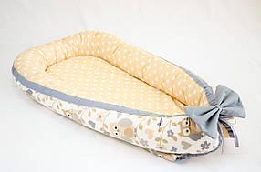 Кокон – гнездышко позиционер для новорожденных класика BabySoon Совушки на бежевом фоне 50х80см