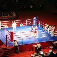 Боксерський ринг клубний поміст 7,5х7,5х1 м. канати 6,1х6,1 м.