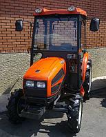 Южнокорейский садовый трактор KIOTI CK35CAB с кабиной, мощностью 35 л.с.
