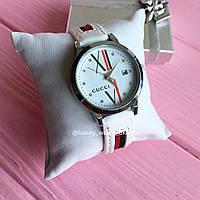 Женские часы GUCCI с ремешком