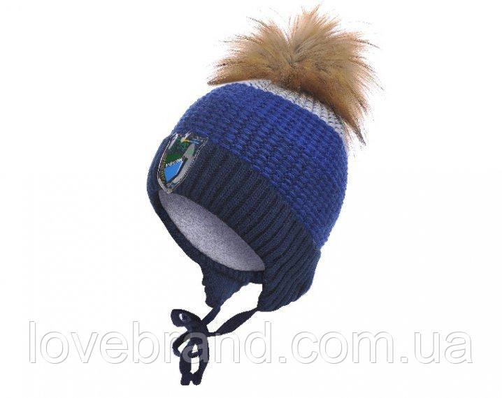 Зимняя шапочка для мальчика на завязку с помпоном енот