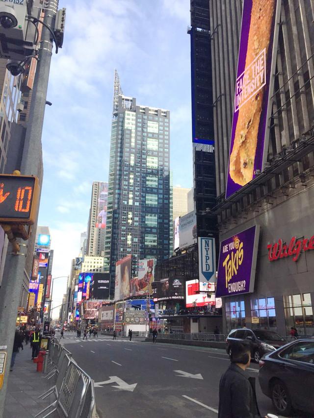 Раздел Женские брючные костюмы - фото teens.ua - Нью-Йорк,Бродвей,NYPD