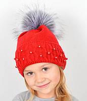 Детская зимняя шапка красного цвета