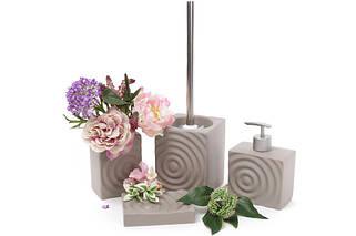 Аксессуары для ванной и туалетной комнаты.