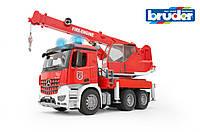 Игрушка Bruder Большая пожарная машина с краном МВ Arocs М1:16