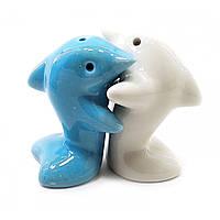 """Солонка с перечницей """"Дельфины"""" бело голубые 7х7х4см (27899E)"""