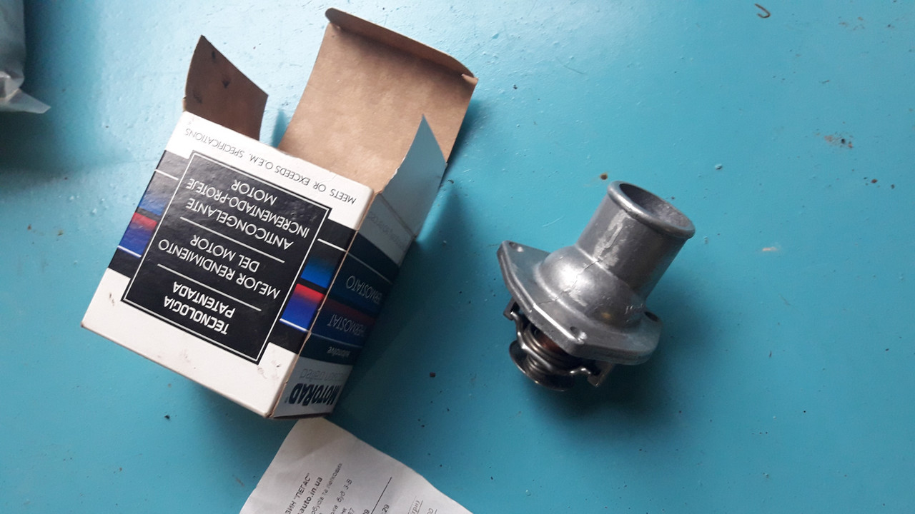 Термостат 283-82 Motorad  opel vectra a b 1.6 опель вектра а б 1.6