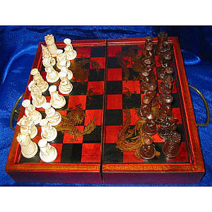 Шахматы антик (28,5 Х 14Х9,5 см) ( 1541)