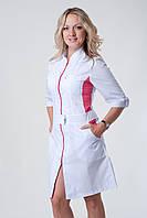 Женский медицинский халат белый с розовой вставкой
