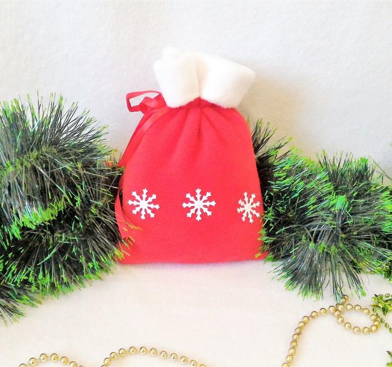 Мешок новогодний для подарков конфет красный Снежинки 21*15 см мішок новорічний для подарунків