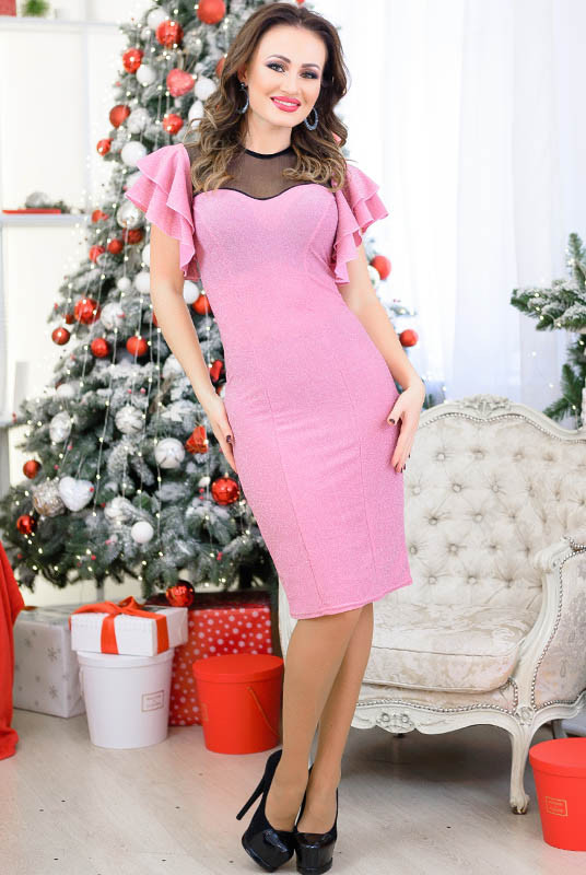 Розовое платье с рюшами Флорис