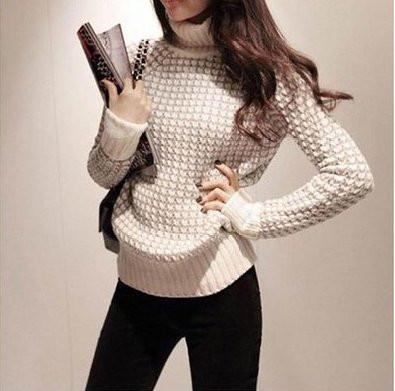 Теплый женский свитер с высоким горлом,