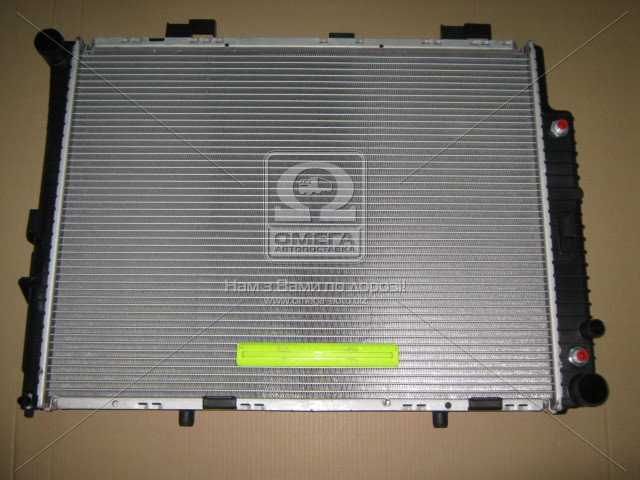 Радиатор охлаждения MERCEDES E-CLASS W210 (95-) (пр-во Nissens), 62608A