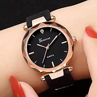 Женские красивые часы с черным ремешком