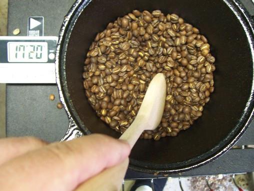 приготовить кофе дома на сковроде свежеобжаренный