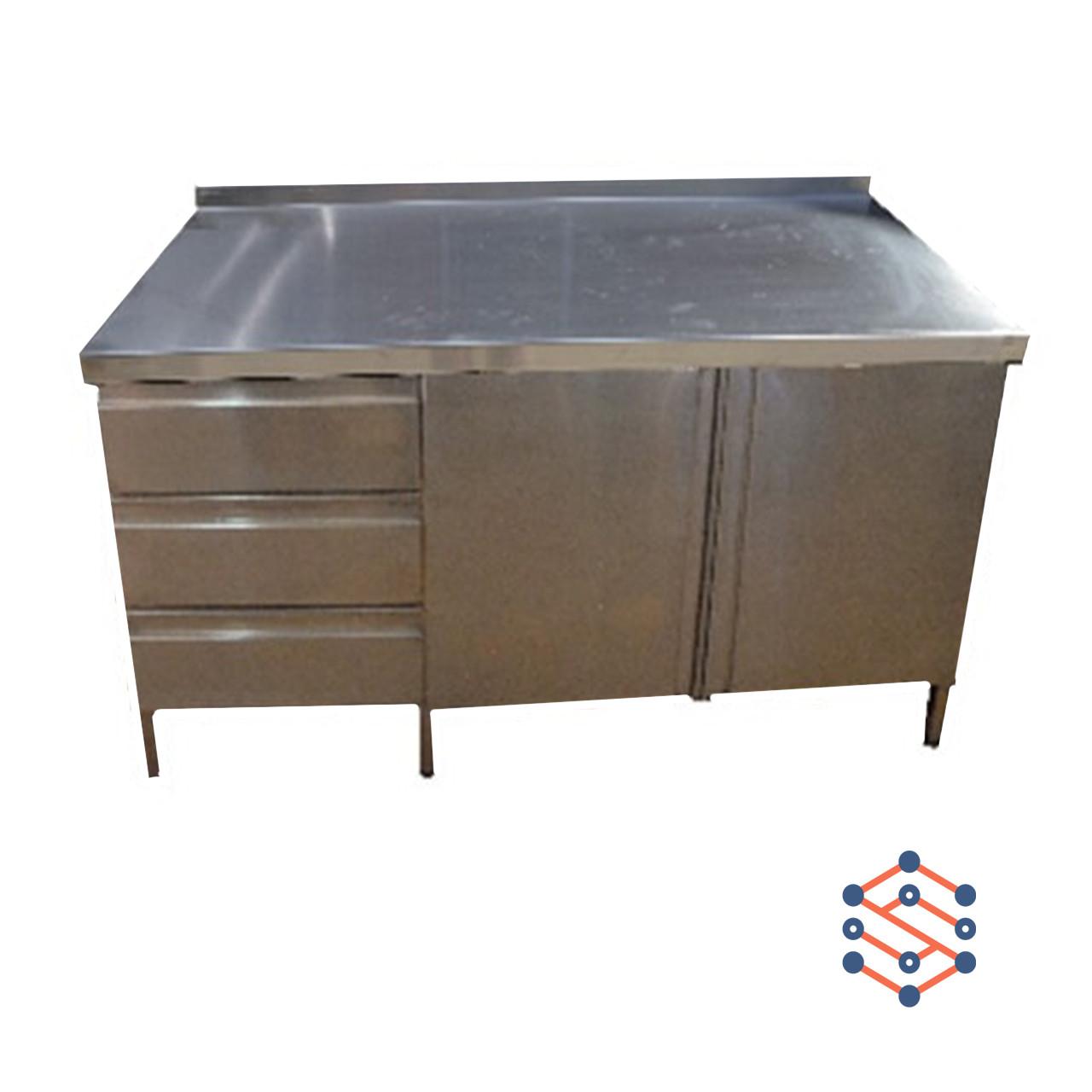 Стол производственный с полуобъемным бортом распашными дверями 2шт, с 3мя ящиками (1600*700*850)