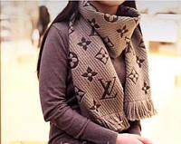 Зимний вязанный шарф в стиле Louis Vuitton