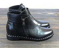Короткие женские ботинки на низком каблуке Lonza, фото 1