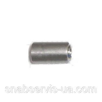 Втулка металлическая 8,1X14X25,2 мм.
