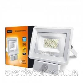 Светодиодный LED прожектор VIDEX 30W 5000K 220V сенсорный белый с датчиком движения