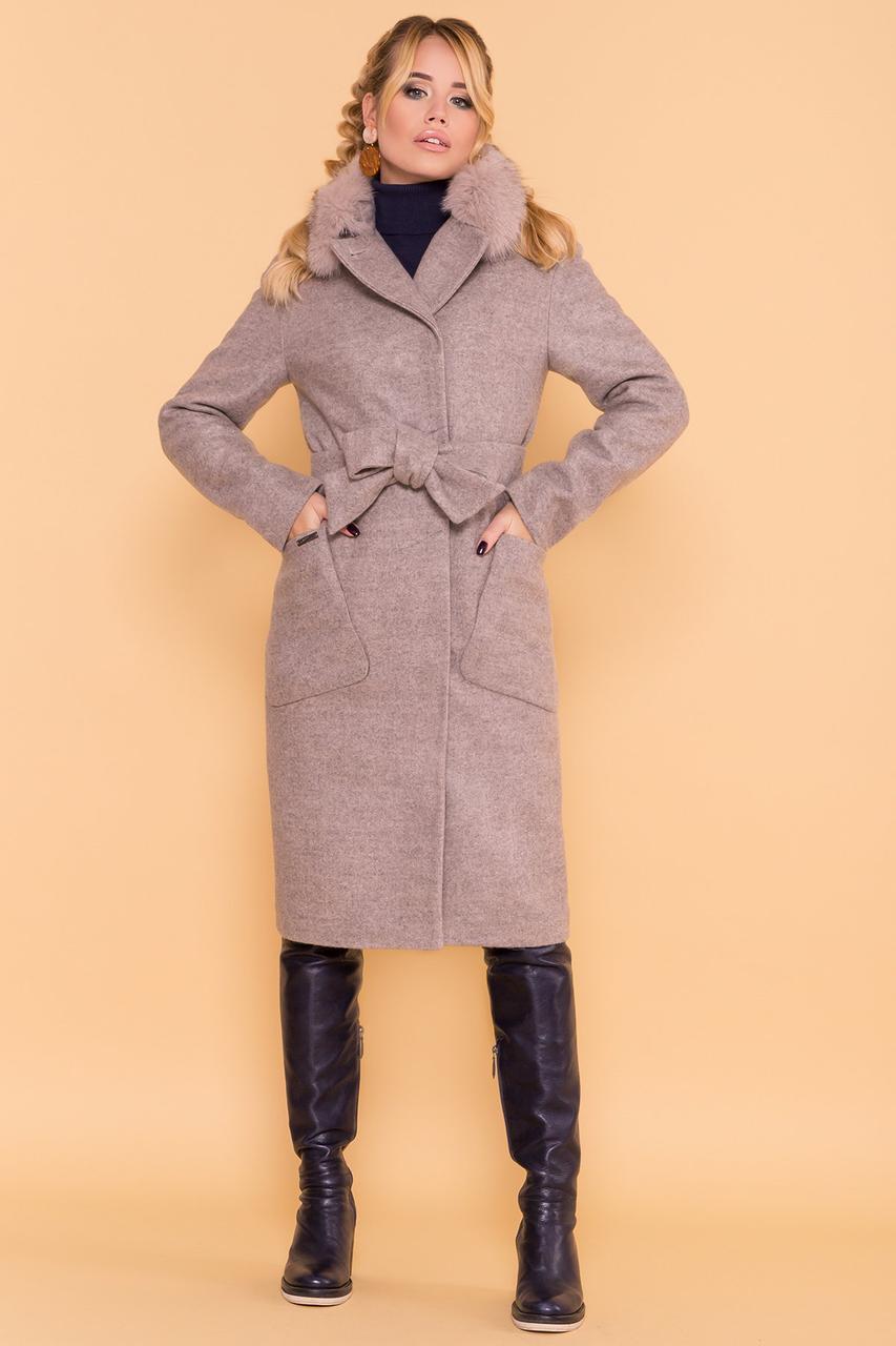 Женское зимнее пальто бежевого цвета с натуральным мехом. Модель 38161. Размеры 42,44