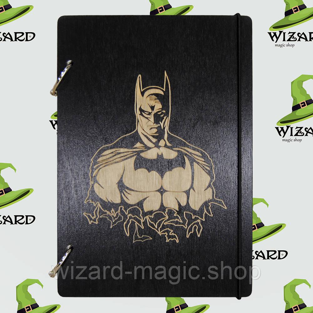 Скетчбук с деревянной обложкой А5 черный лак Бэтмен