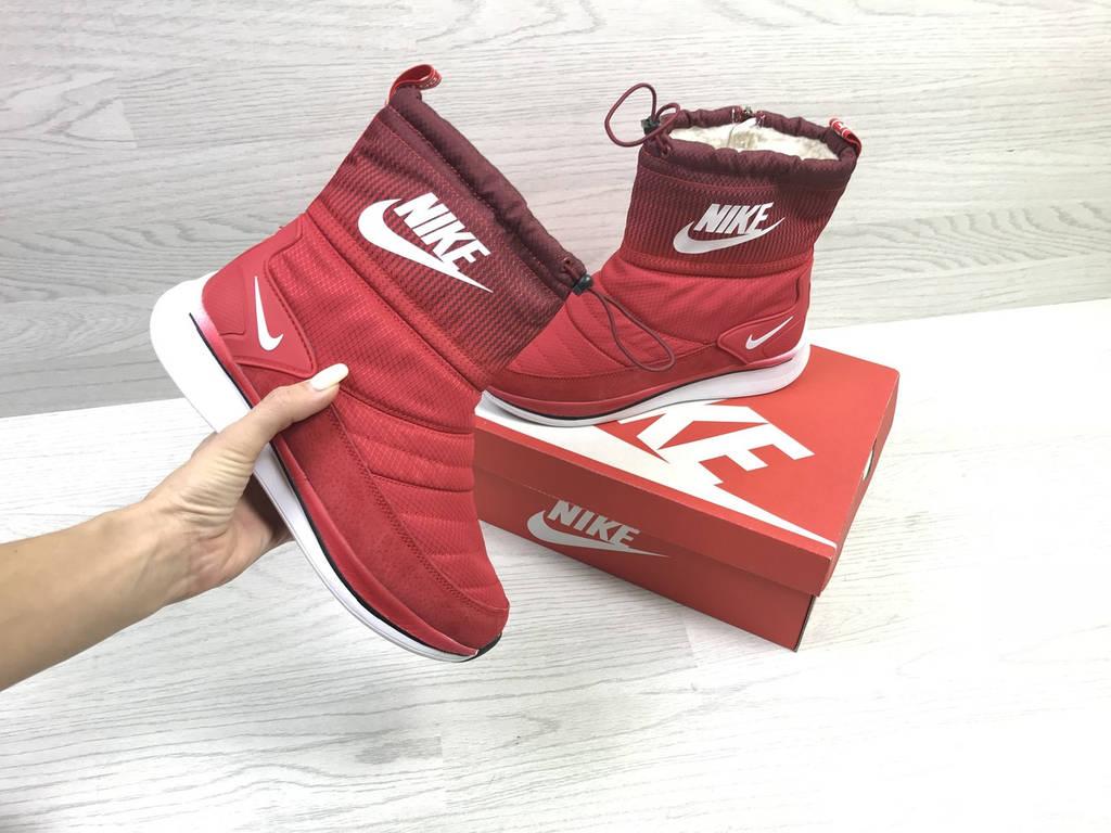 Дутики женские зимние  Nike красныe